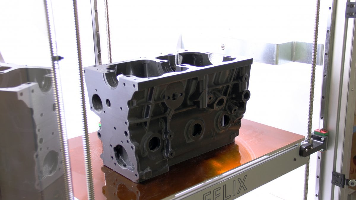 3D printed engine block on FELIXprinters Pro XL